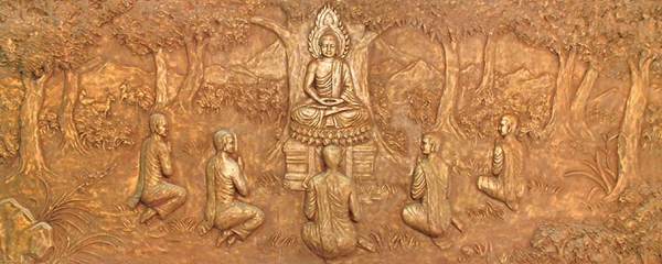 The Buddha teaching disciples